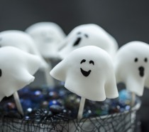 Recipe: Spooky Ghost Cake Pops