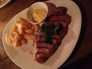 Sirloin with chips and béarnaise sauce at Steak Of The Art