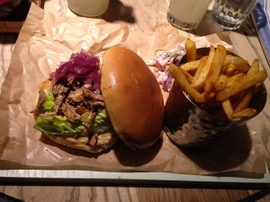 Turtle Bay - Pulled Chicken Bun