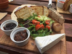 The Apple - Frenchmans Ploughmans