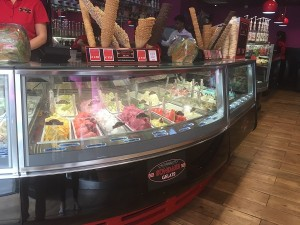 Sundaes Gelato - Counter 1