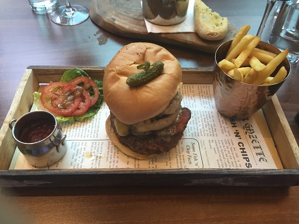 Urban Bar and Kitchen - Burger