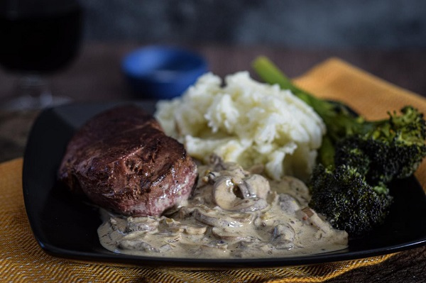 Venison haunch steaks with stroganoff sauce - Wild and Game